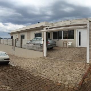 Casa 3 dormitórios, com garagem e salão de festas