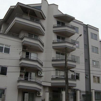 Apartamento cental de 3 quartos com suíte