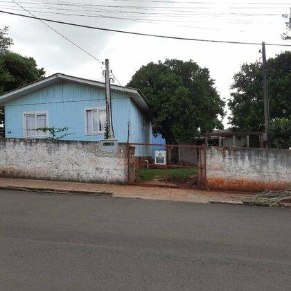 Terreno com duas casas a venda!