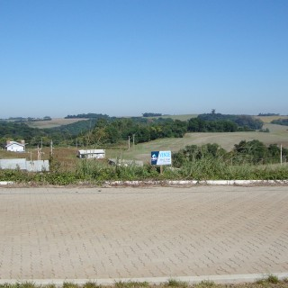 Terreno à venda no Loteamento Villa Bella, na avenida principal, com 415,65 m²