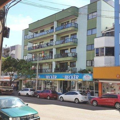 Apartamento com 2 dormitórios na Avenida Júlio Borella