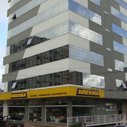 Sala comercial no Ed. Centro Empresarial Barão