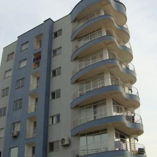 Apartamento 3 dormitórios com suíte, 1 apto por andar