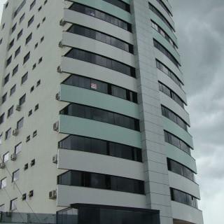 Apartamento 3 dormitórios com suíte no Ed. Albatroz